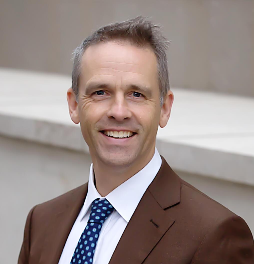 Dr Tom Hannam Headshot